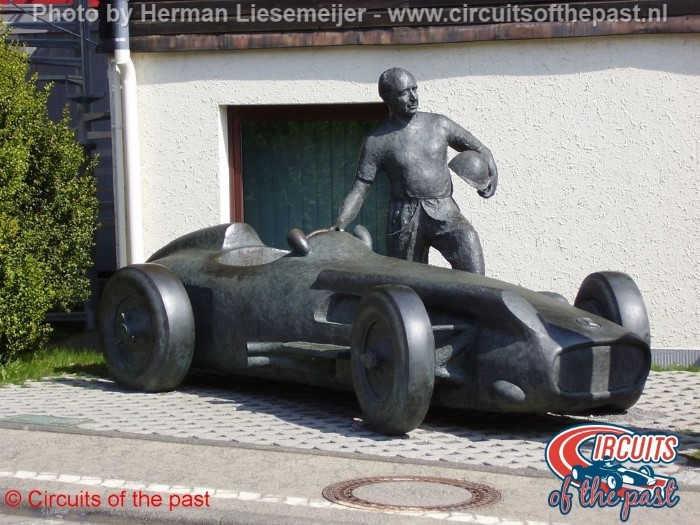 Nürburgring - Fangio Statue
